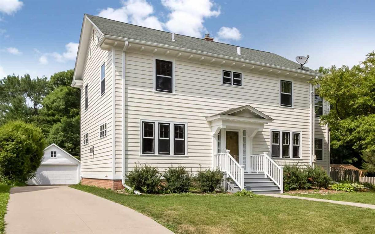 216 Mclean Street, Iowa City, IA 52246