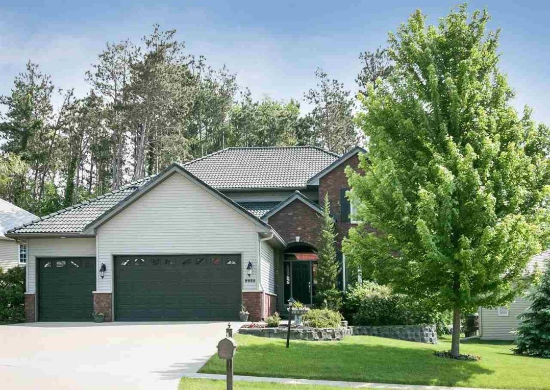 2225 Dempster Dr., Coralville, IA 52241