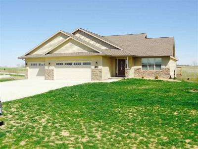 Photo of 2748 Coyote Court Dr., Williamsburg, IA 52361