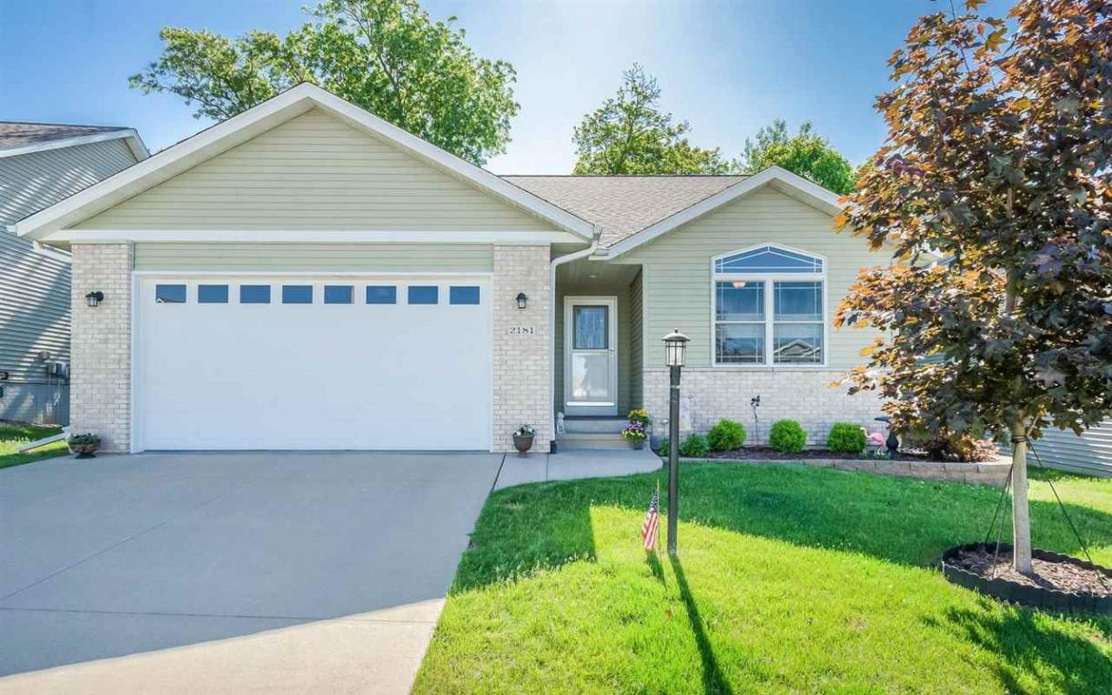 2181 Westminster Circle, Coralville, IA 52241
