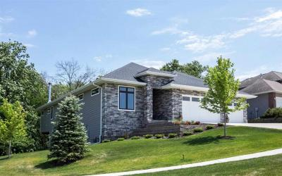 Photo of 2025 Bluffwood Cir, Coralville, IA 52241