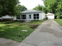 2230 Hollywood Blvd, Iowa City, IA 52240