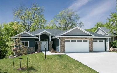Photo of 2752 Muddy Creek Ln, Coralville, IA 52241