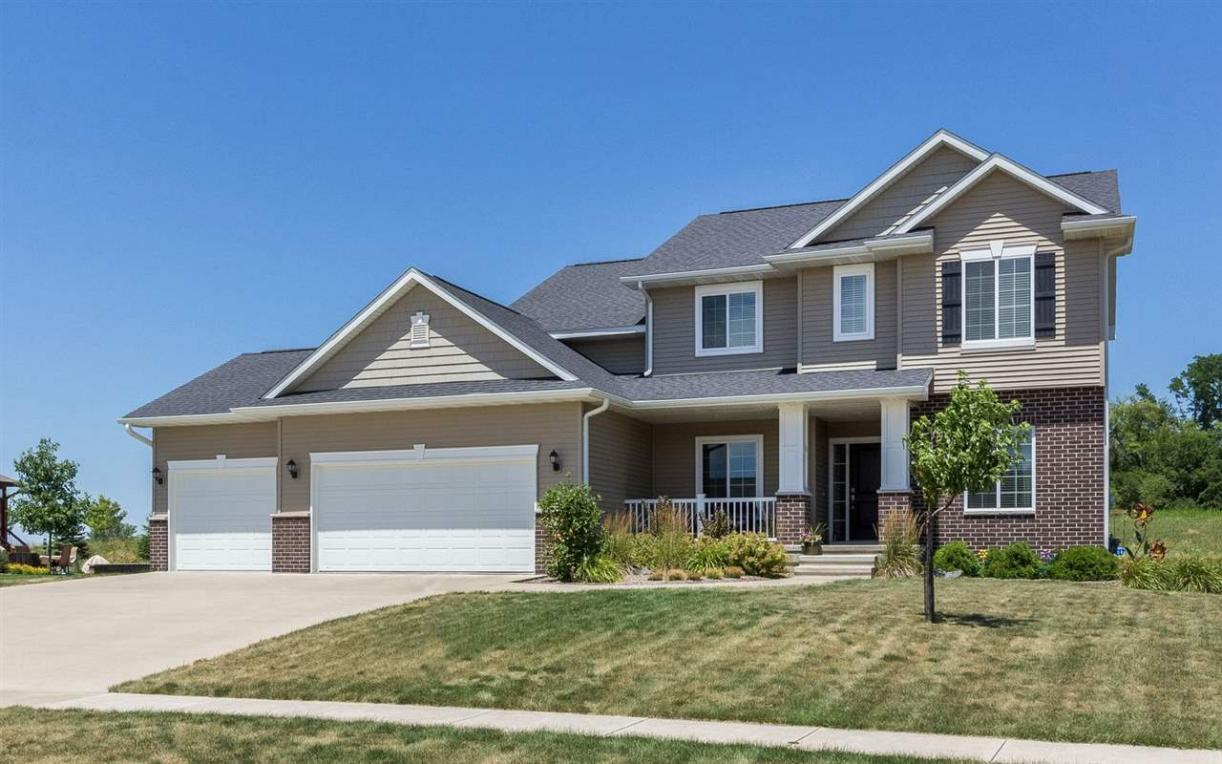 2456 Dempster Dr, Coralville, IA 52241
