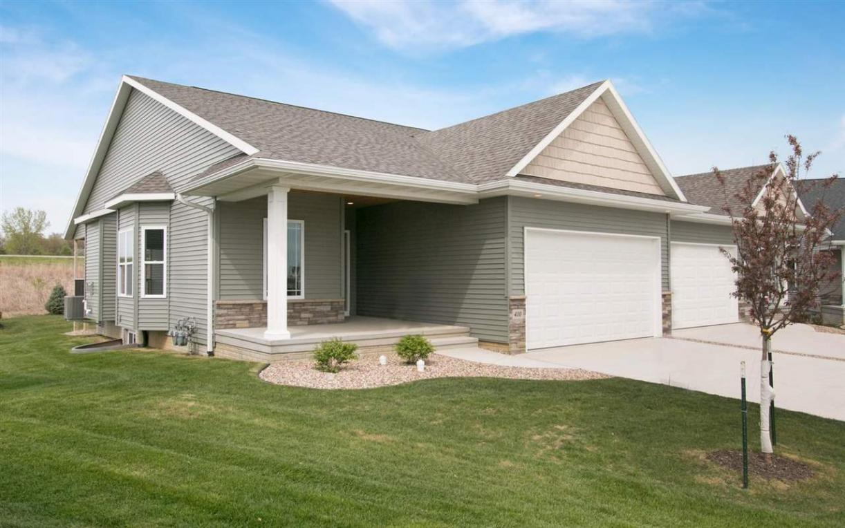 460 Ridge View Dr., Fairfax, IA 52228