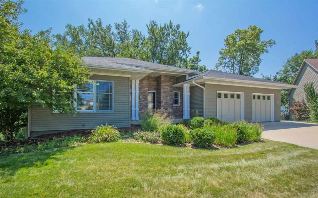 2003 Wedgewood Place, Coralville, IA 52241