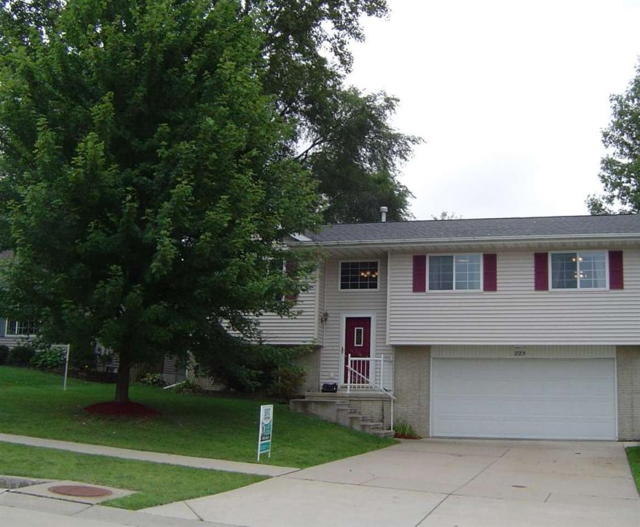 225 Grand Ave., Marion, IA 52302