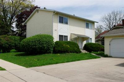 Photo of 423 5th St #A & B, Coralville, IA 52241