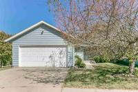 2126 Plaen View Dr, Iowa City, IA 52246