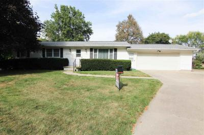 Photo of 503 Hampton Ct, Williamsburg, IA 52361