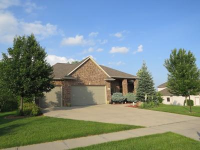 Photo of 2907 High Bluff Dr, Coralville, IA 52241
