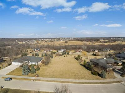 Photo of 651 Highland Park Ave, Coralville, IA 52241
