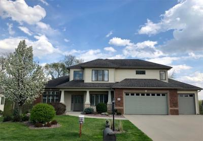 Photo of 842 Forest Edge Ln, Coralville, IA 52241