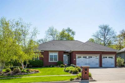 Photo of 920 Highland Park Ave, Coralville, IA 52241