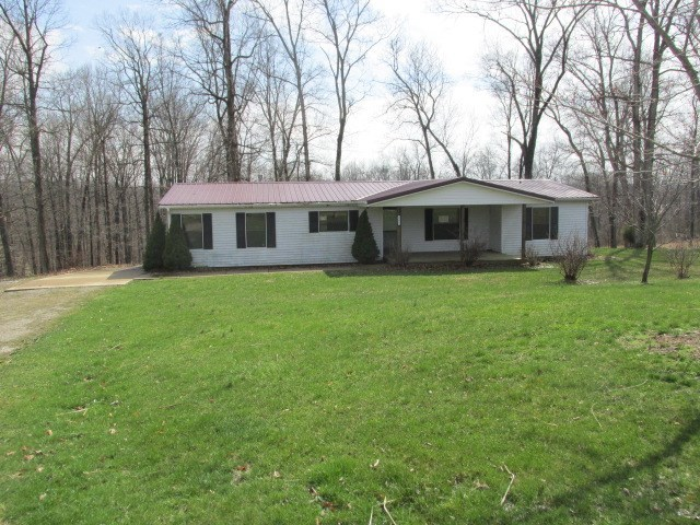 10836 E Arrowhead, Bloomfield, IN 47424