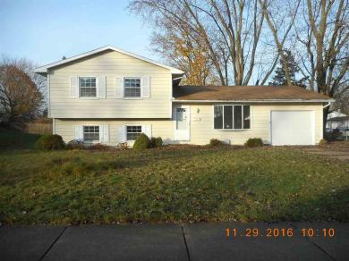 227 Woodhill, South Bend, IN 46619