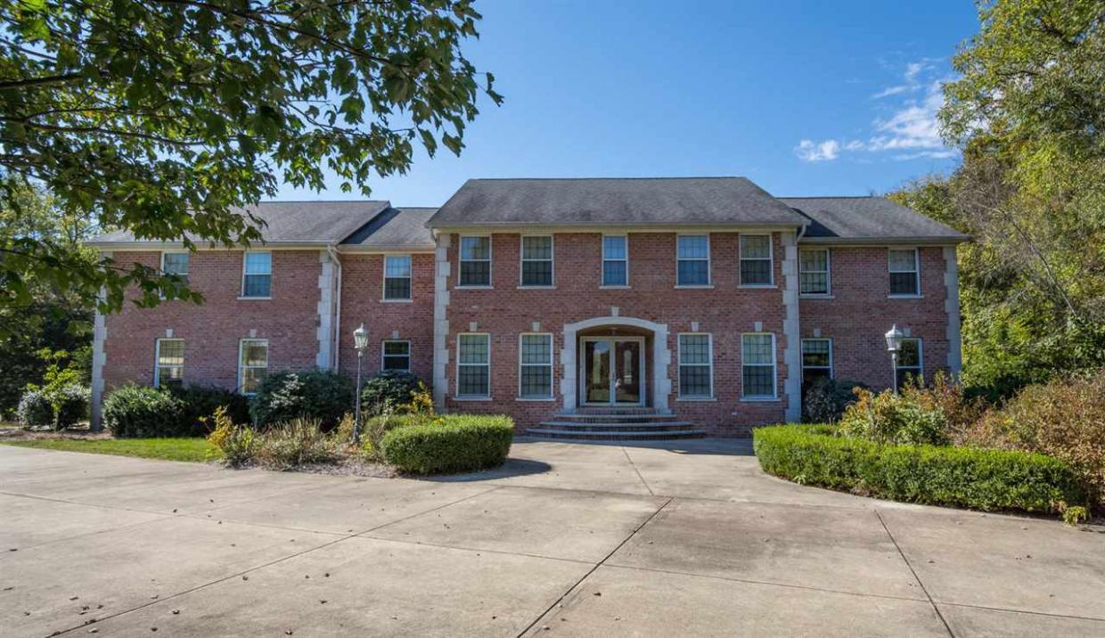 8318 S Ashley Ave, Bloomington, IN 47401