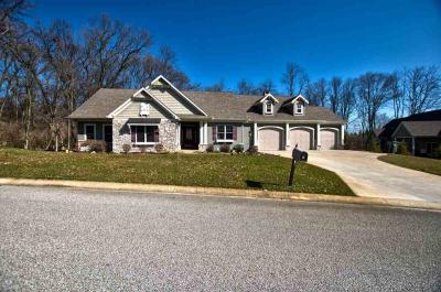 Photo of 13359 Wooded Knoll Trail, Middlebury, IN 46540