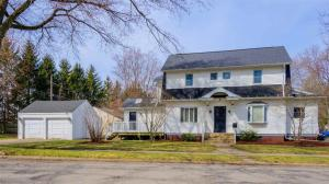 1252 Sunnymede, South Bend, IN 46615