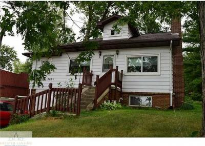 Photo of 2691 Bartlett Rd, Pleasant Lake, MI 49272