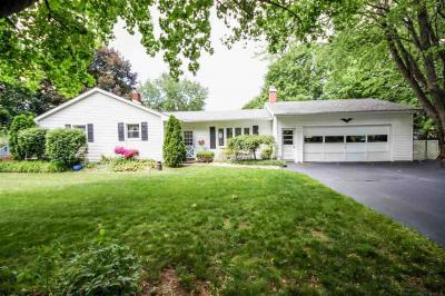Photo of 3117 Queen St, Spring Arbor, MI 49283