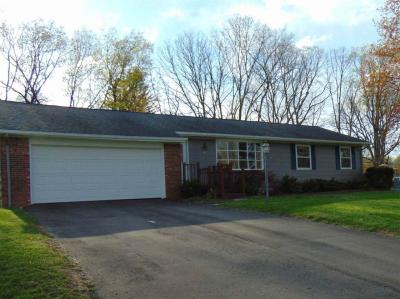 Photo of 3112 Daggitt Dr, Spring Arbor, MI 49283