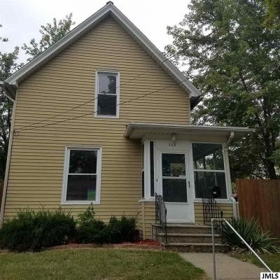 Photo of 228 N Thompson St, Jackson, MI 49202