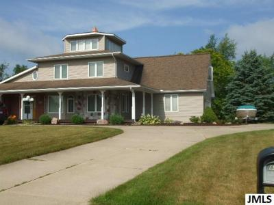 Photo of 8474 Van Horne Estates Dr, Rives Junction, MI 49277