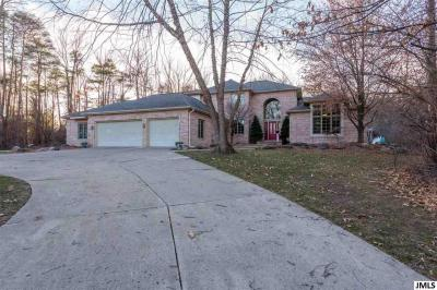 Photo of 4922 Country Ln, Jackson, MI 49201
