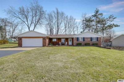 Photo of 4855 Firethorne Dr, Jackson, MI 49201