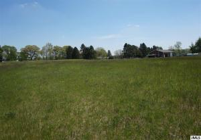 2741 Deer Path Rd, Jackson, MI 49201