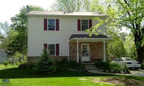 3250 Frembes, Waterford, MI 48329