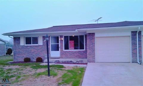 47441 Brent Ct, Chesterfield Twp, MI 48047