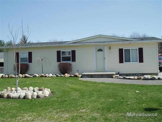 22 N Flower, Croswell, MI 48422