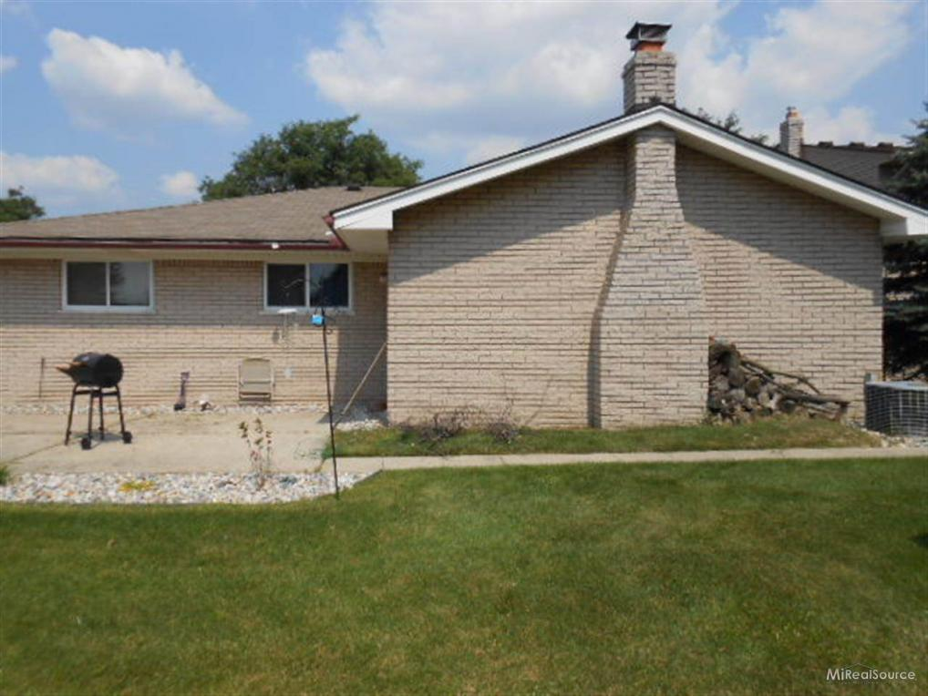 13558 Brougham, Other, MI 48312