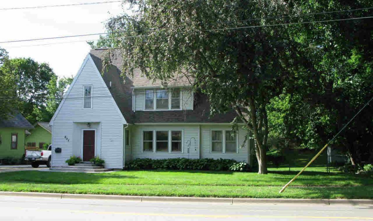 827 E Michigan Ave, Marshall, MI 49068