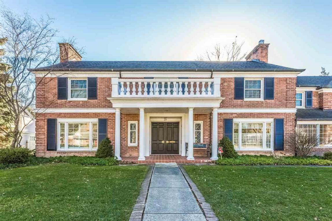 29 Newberry, Grosse Pointe Farms, MI 48236