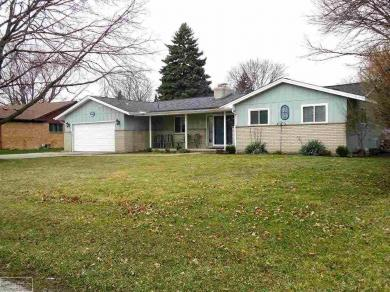 36075 Farmbrook Dr., Clinton Twp, MI 48035