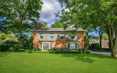 Photo of 415 Lake Shore Rd, Grosse Pointe Farms, MI 48236