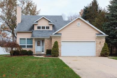 5073 Southlawn Dr, Other, MI 48310