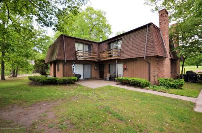 Photo of 2223 Country Club Way, Albion, MI 48001