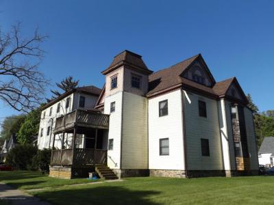 Photo of 510 Pleasant Street, Charlotte, MI 48813