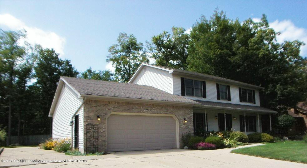1244 Burlington Drive, Grand Ledge, MI 48837