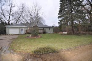 7810 Tucker, Eaton Rapids, MI 48827