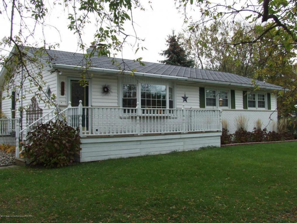 2536 Pine Tree Road, Holt, MI 48842