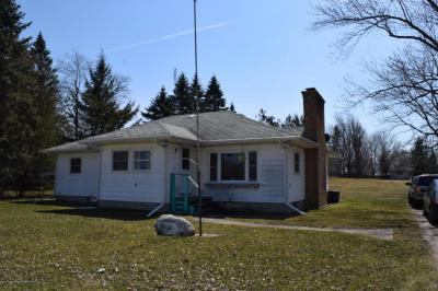 Photo of 434 E Main Street, Potterville, MI 48876