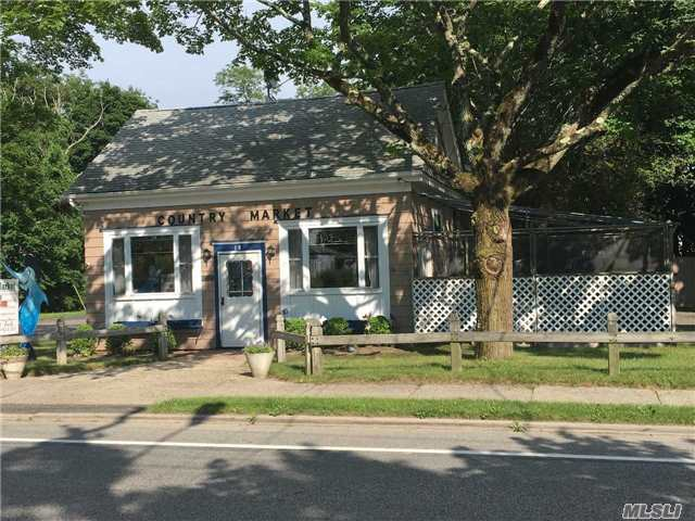 18 North Phillips Ave, Speonk, NY 11972