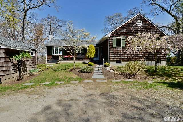 580 Broadwaters Rd, Cutchogue, NY 11935
