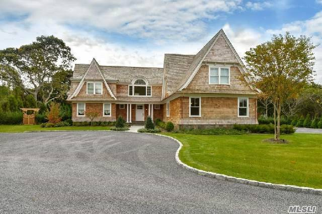 253 Mill Rd, Westhampton Bch, NY 11978