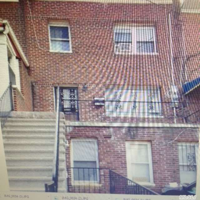 4118 Barnes Ave, Out Of Area Town, NY 11702